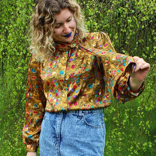 Best 80s Fashion Trends - Printed Blouse