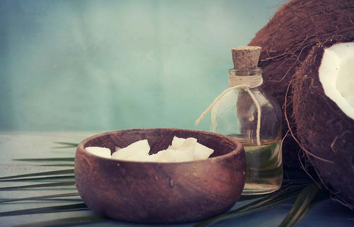 Shutterstock </p> </div> <h5> </div> <h5>  1 tablespoon Uncooked Coconut butter </p> <h5>  What to do </h5> <ol> <li>  19659016] Gently massage it on your face, concentrating on the affected side </li> <li>  Leave it for at least 30 minutes before washing it </li> </ol> <h5>  ca do this </h5> <p>  Do this 2-3 times a day [19659045] Why this work </h5> <p>  Coconut oil contains useful medium chain fatty acids which have anti-inflammatory and analgesic properties <a href=