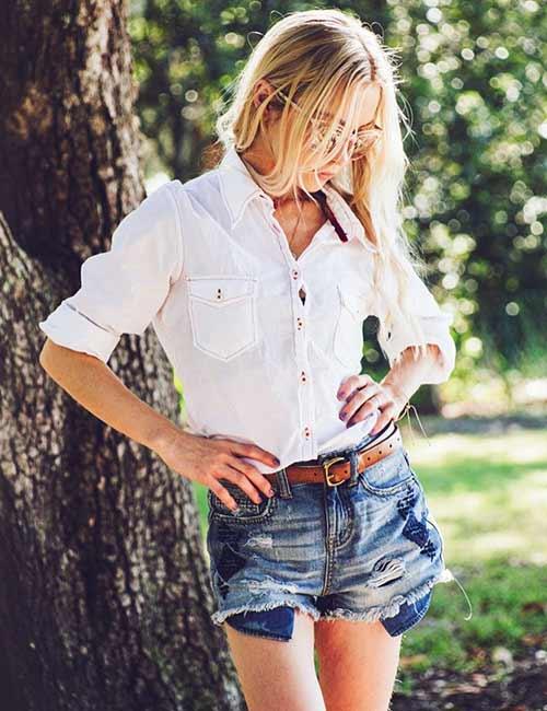 Shorts de cintura alta e agudos com camisa de botões