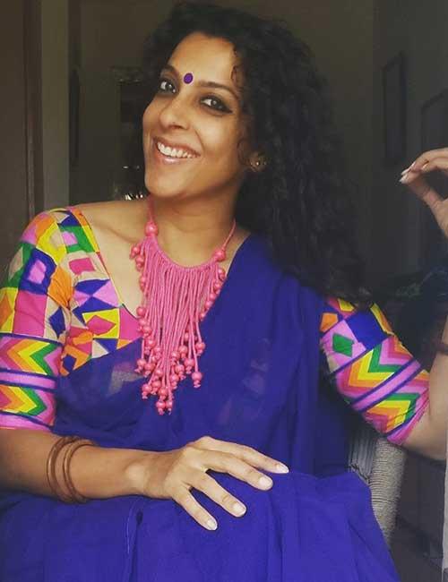 Plain Saree With Designer Blouse Ideas - Plain Blue Saree With Kutch Work Blouse
