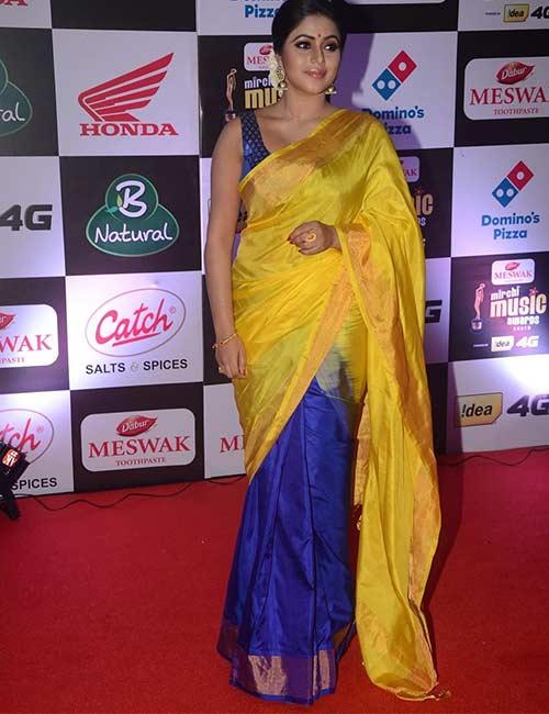 Plain Saree With Designer Blouse Ideas - Plain Half And Half Saree With Sleeveless Blouse