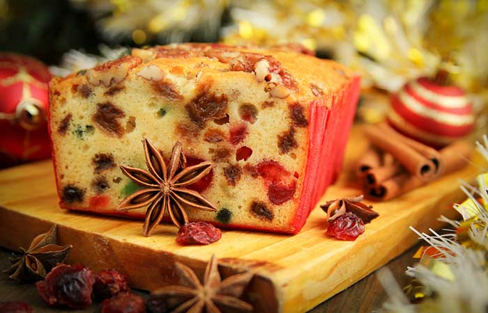 We can never overcome the guilt of succumbing to the wrong desserts [19659004] Shutterstock </p> </div> <p>  1. Fruit cake can last for a decade if it&#39;s made with alcohol. Jay Leno, an American TV presenter, can testify to this fact because in 2003 he pulled out a cake baked in 1878! Maybe the concept of aging refers to all things edible, not just for wine. </p> <div id=