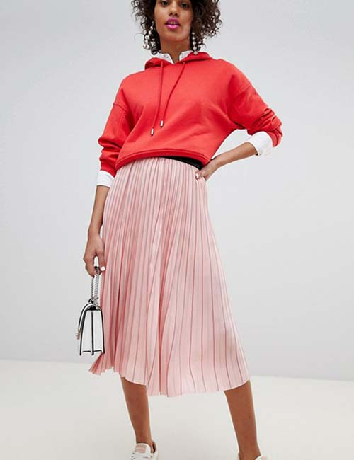 Pleated Skirt With Hoodie