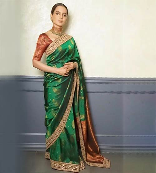 1. Contrast Your Blouse With Your Saree