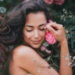 6 Ways To Treat Common Skin Conditions Naturally