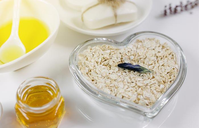 Oatmeal, Yogurt, And Lemon Face Mask