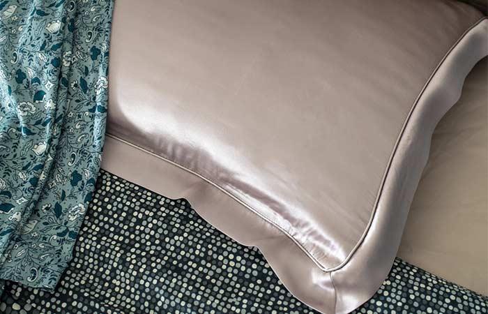 Sleep On A Silk Pillowcase