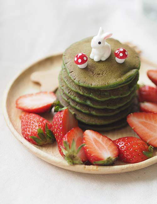 5. Matcha Pancake With Strawberries