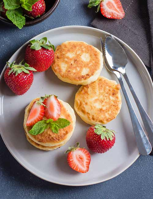 9. Cottage Cheese Pancake With Strawberries