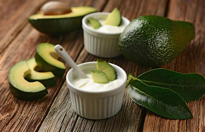 Face Mask with Avocado and Yoghurt - For Dry Skin
