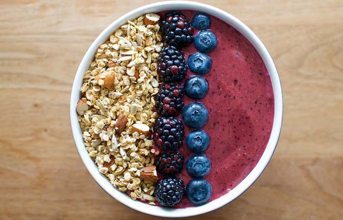 Granola Blackberry Acai Bowl
