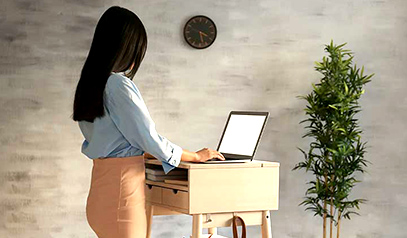 6 Science-Backed Reasons You Must Get A Standing Desk Today