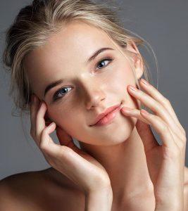चेहरे पर चमक लाने के 21 घरेलू उपाय – Home Remedies and Tips for Glowing Skin in Hindi