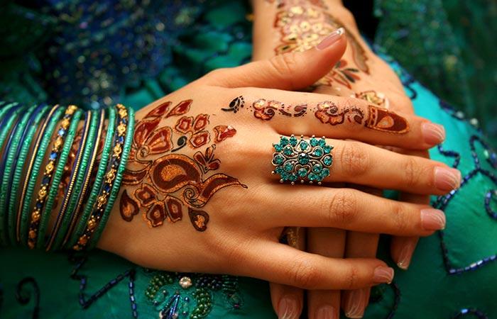 Colorful Mehndi design in Hindi