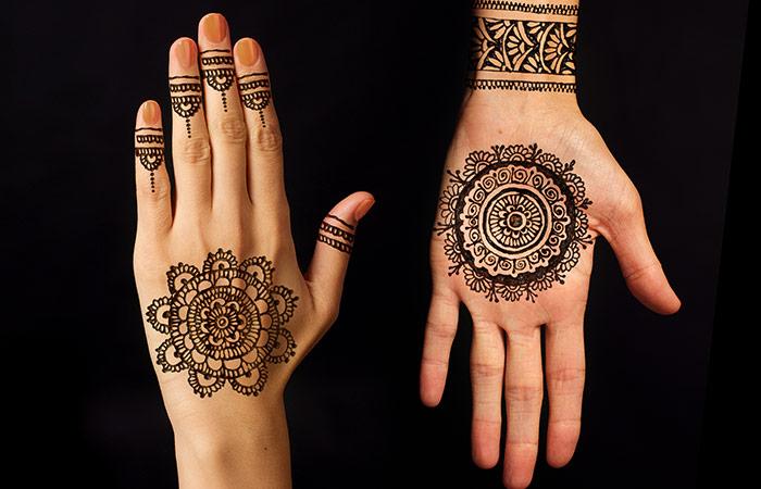 Curved Mehndi Design in Hindi