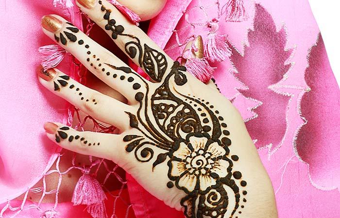 Floral Mehndi Design in Hindi