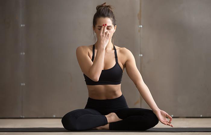 पेट कम करने के लिए अनुलोम-विलोम प्राणायाम