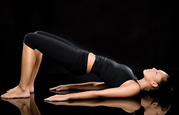 पेट कम करने के लिए सेतुबंध योगासन
