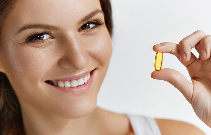 काले धब्बे हटाने के लिए विटामिन-ई कैप्सूल (Vitamin E capsule)