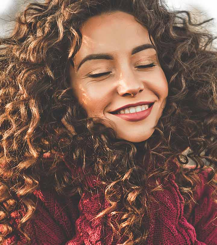 What Is Hair Plopping? How To Plop Hair For Perfect Curls