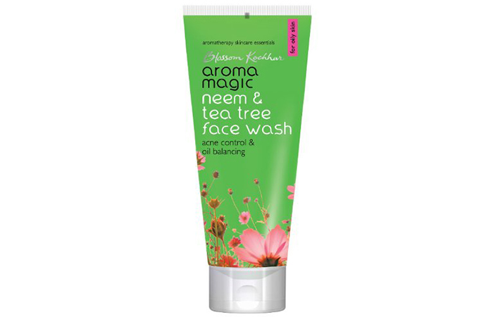 Aroma Magic Neem & Tea Tree Face Wash in Hindi