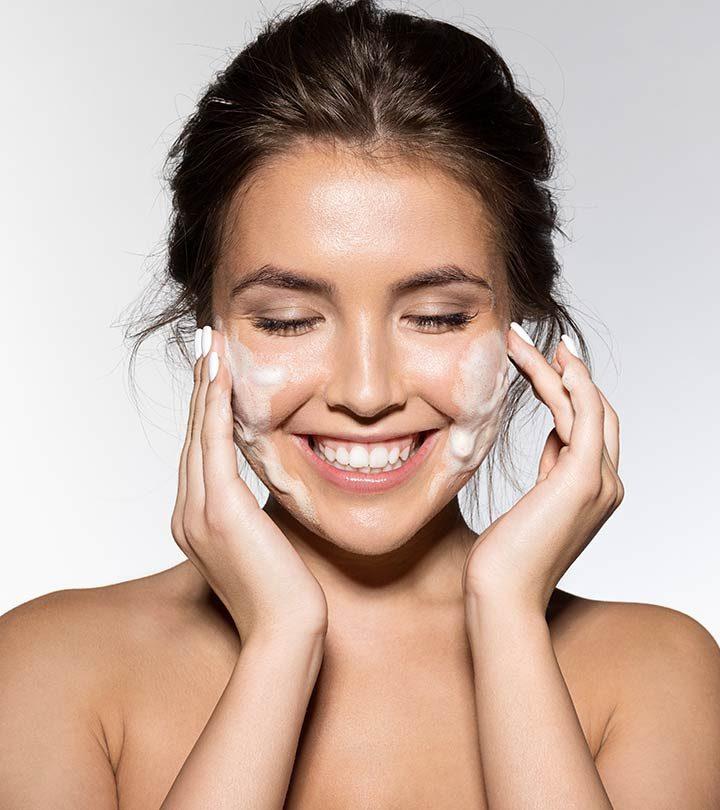 Oily Skin Ke Liye Face Wash