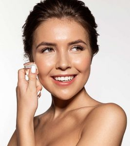 Using Ice On Pimples And Acne – Is It Effective?