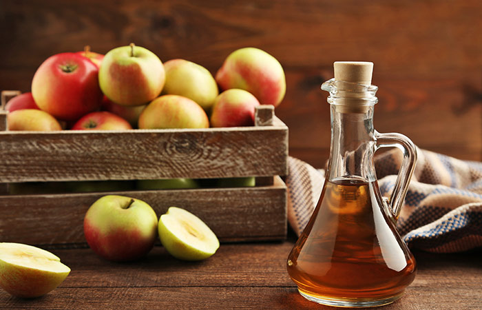 Dandruff ke Liye Apple Cider vinegar