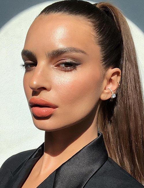 Emily Ratajkowski's flawless skin