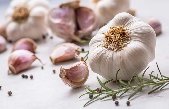 Garlic for Underarm Odor in Hindi