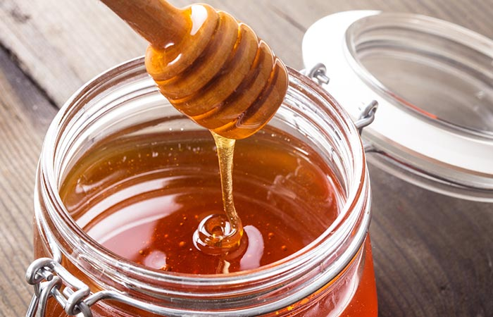 Honey for Sore Throat in Hindi