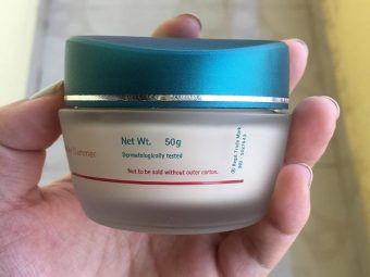 Himalaya Herbals Clear Complexion Whitening Day Cream pic 6-Nice texture but not so effective-By Sunita_Natarajan