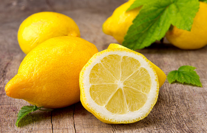 Dandruff ke Liye Lemon
