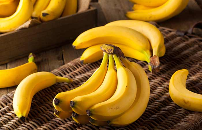 Banana for Skin Pores in Hindi