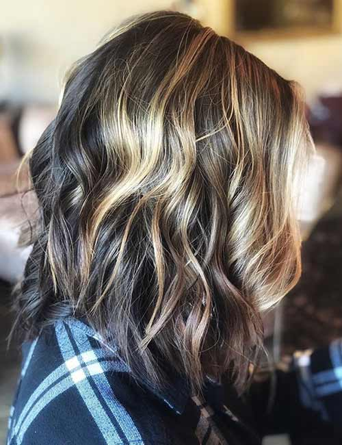 A-Line Lob WIth Blonde Highlights