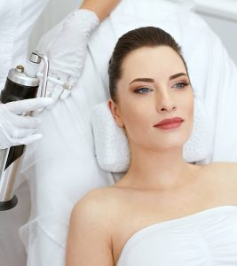 Cryotherapy Facial – What Is It, Benefits, And How It Works
