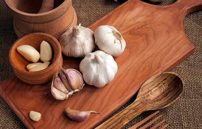 Garlic for Loss Of Smell And Taste in Hindi