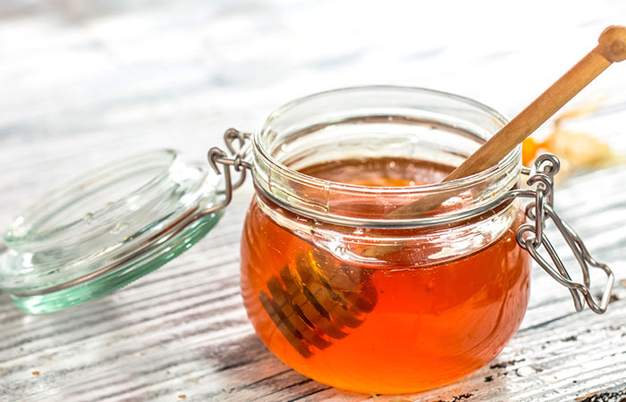 Honey and Vaseline for Chapped Lips in Hindi