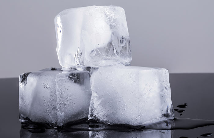 Ice Cubes for Swollen Lips in Hindi
