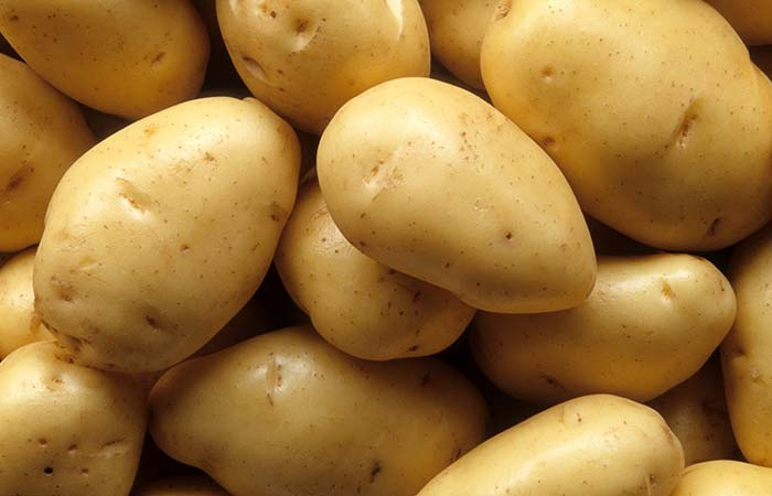 Raw potato for Pigmentation in Hindi