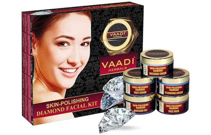 Vaadi Herbals Skin-Polishing Diamond Facial Kit