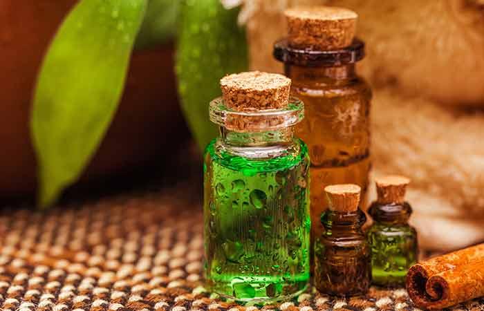 Pimple ke liye alovera aur tea-tree oil