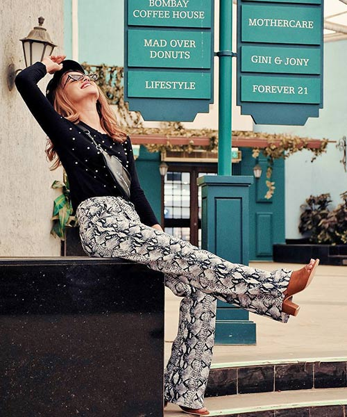 Snake Print Trousers And Black Blouse - Black And White Outfits