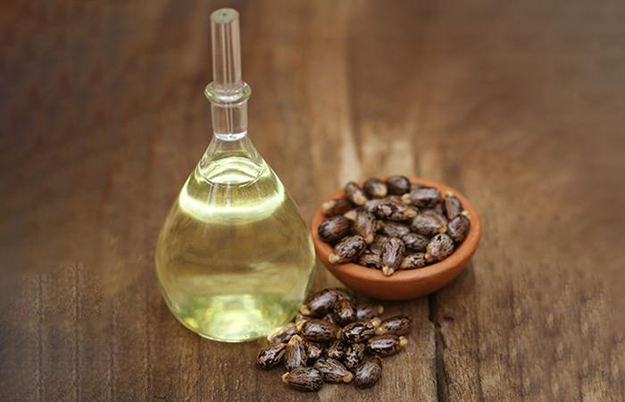 2.Baking-Soda-And-Castor-Oil
