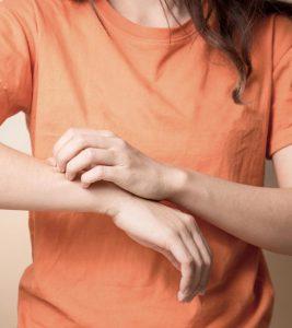 Itchy Skin (Khujli) Home Remedies in Hindi