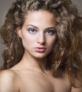 Natural Remedies To Get Rid Of Frizzy Hair in Hindi