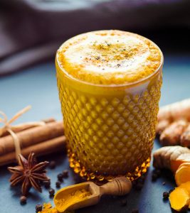 Turmeric Milk (Haldi Doodh) Benefits in hindi