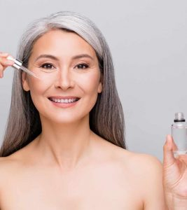 17 Best Essential Oils For Wrinkles: Anti-Aging Oils For Youthful Skin
