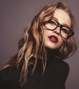 30 Stunning Hairstyles For Women Of All Ages Who Wear Glasses