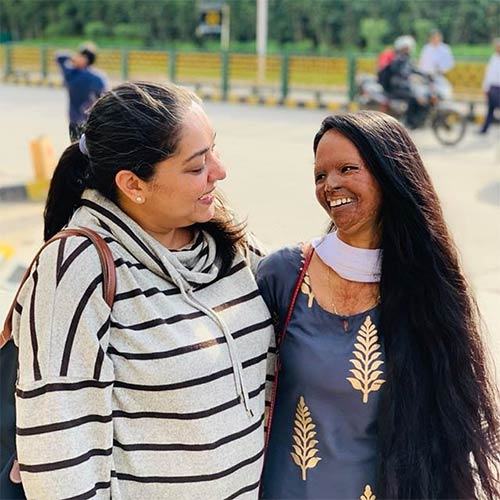 Theaxmiagarwal </a> </strong> / <strong> Instagram </strong></p> </div> <p> ] In 2018, the leading daily, Hindustan Times, published a report that detailed how Lakshmi had fallen on hard times. Separated from her live-in partner, Alok Dixit, over some differences, she was struggling to make her livelihood and was on the verge of eviction from her residence <a href=